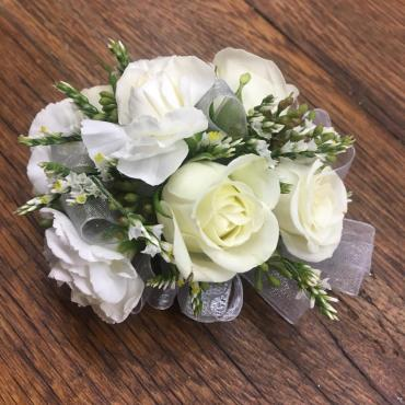 Lutz White Mix Corsage