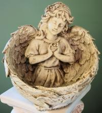 Lutz Memorial Garden Angel LMGA-13